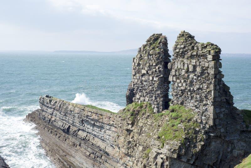 Antique léchez les ruines de château images stock