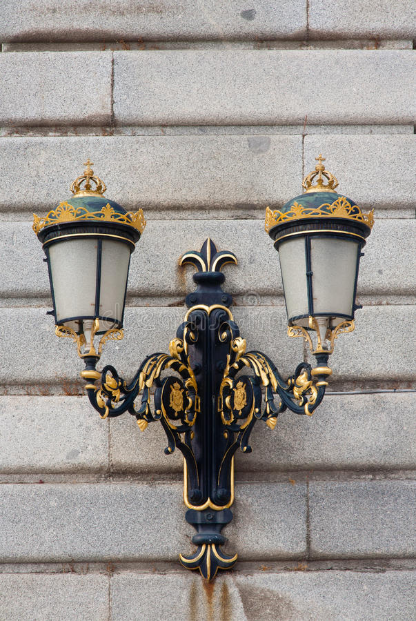 Free Antique Lamp Post Royalty Free Stock Images - 37385479