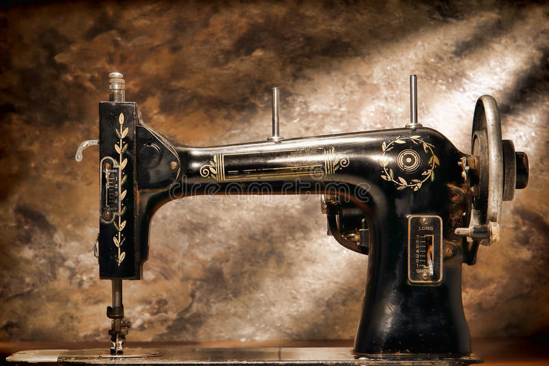 Antique Old Grunge Mechanical Sewing Machine Body royalty free stock photos