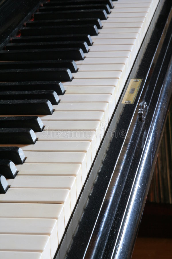 Download Antique Piano Stock Image - Image: 870181
