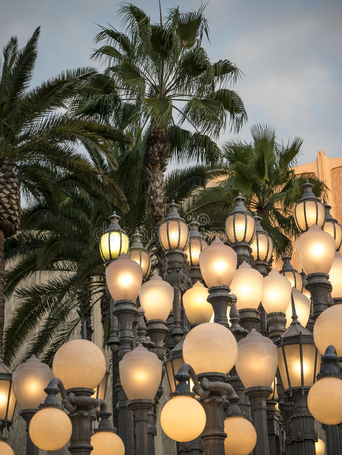 Free Antique Street Lamps Illuminate Los Angeles At Dusk Royalty Free Stock Photos - 61562728