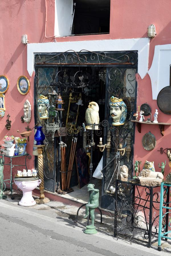 Antiquitätengeschäft Positano stockbilder