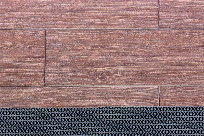 Antislipblad op de houten vloer stock afbeelding