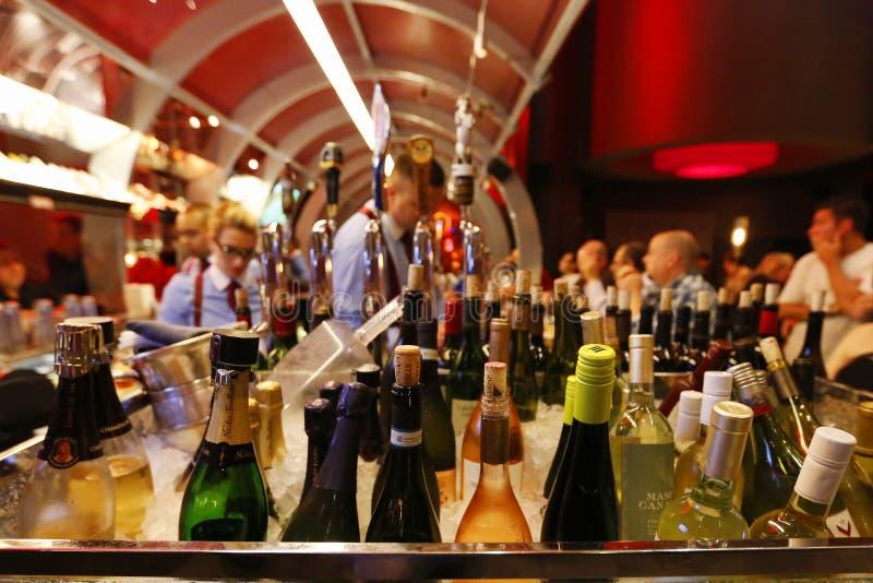 Antivari a Gordon Ramsey Steak House Restaurant all'hotel ed al casinò di Parigi a Las Vegas immagini stock