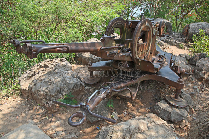 Antivliegtuigenkanon - Luang Prabang - Laos royalty-vrije stock afbeelding