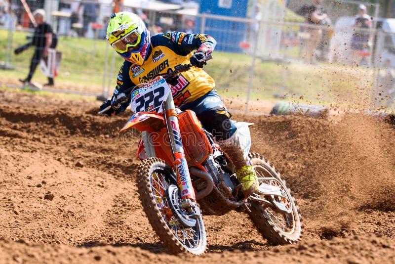 Antonio Cairoli, cavalier professionnel italien de motocross dans l'action photos stock
