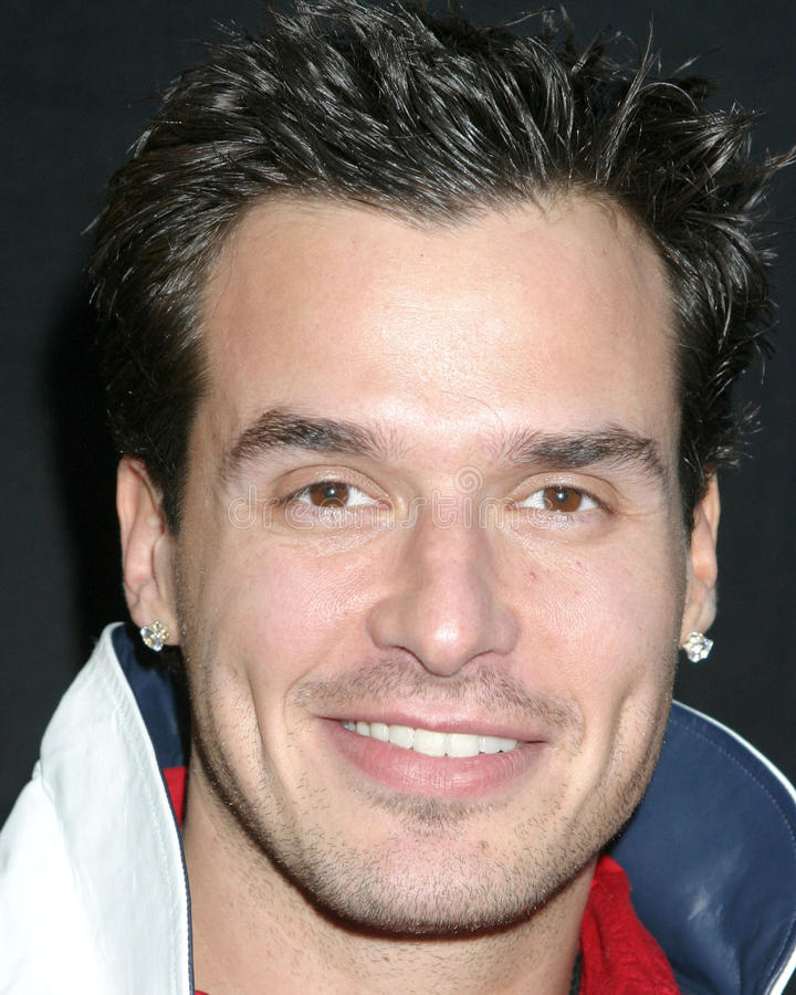 Download Antonio Sabato Jr., Antonio Sabato, Jr. Redaktionelles Bild - Bild von parade, angeles: 26358365