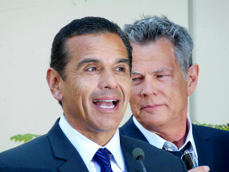 Antonio Villaraigosa και Δαβίδ Foster στοκ εικόνα