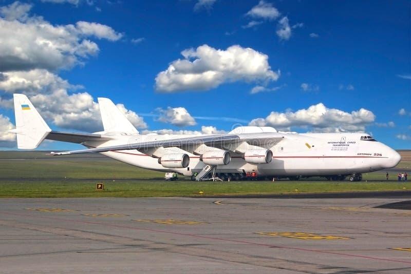 Antonov een-225 Mriya royalty-vrije stock foto's
