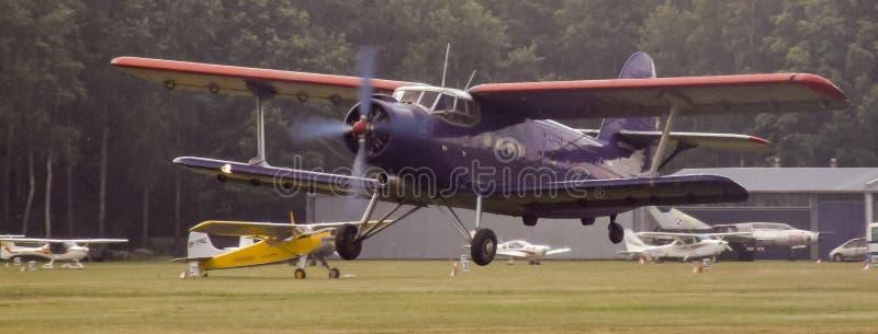 Antonov An-2 tłokowy samolot na Goraszka pokazie lotniczym w Polska obrazy stock