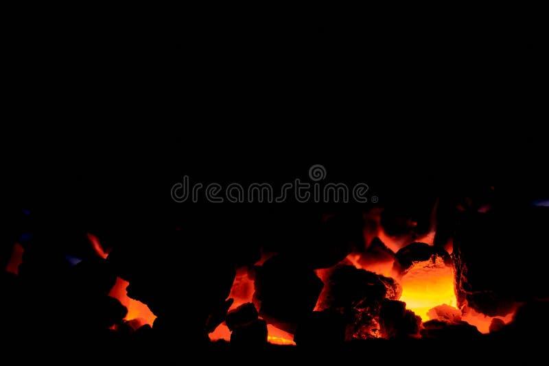 Antracite de carvão Carvão de queimadura na fornalha de uma caldeira do combustível contínuo foto de stock royalty free