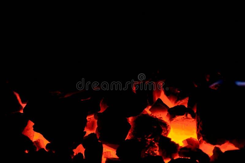 Antracite de carvão Carvão de queimadura na fornalha de uma caldeira do combustível contínuo fotografia de stock royalty free