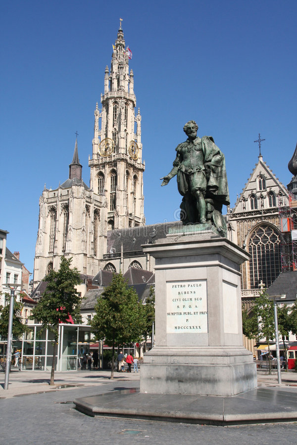 Antuérpia: Estátua de Rubens fotografia de stock