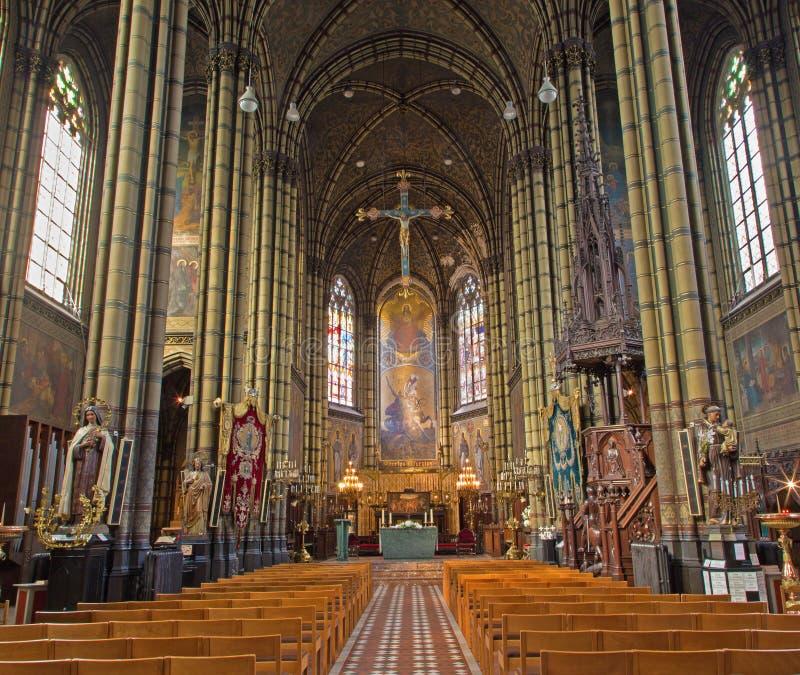 Antuérpia - nave e presbitério de Joriskerk ou de igreja de St George. do centavo 19. imagens de stock royalty free