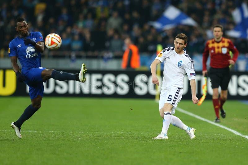 Antunes hace una cruz, la ronda de la liga del Europa de la UEFA del segundo partido de la pierna 16 entre el dínamo y a Everton foto de archivo