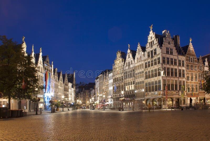 Antwerp av Natt arkivfoton