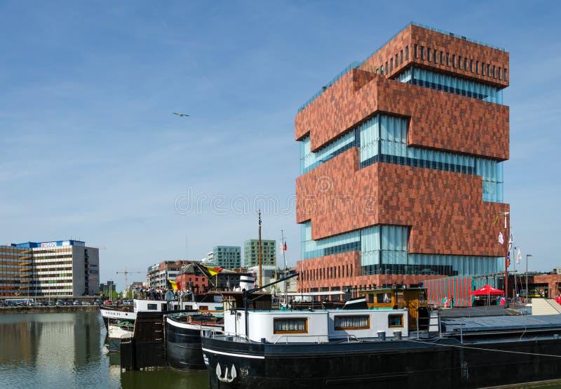 Antwerp Belgia, Maj, - 10, 2015: Muzealny aan De Stroom, Antwerp, Belgia (MAS) zdjęcie stock