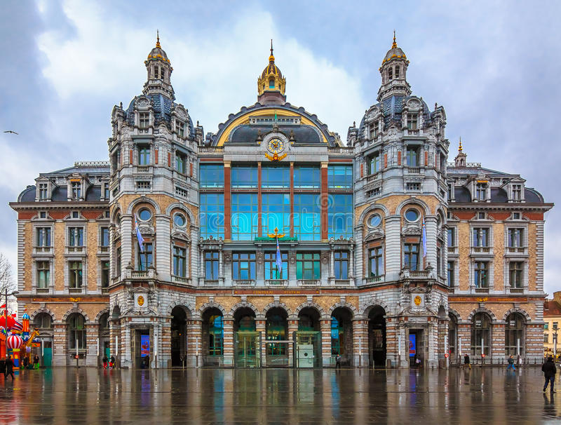 Antwerp central drevstation i Belgien arkivbild