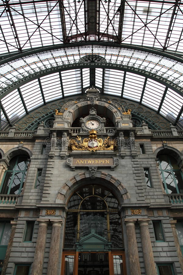 antwerp central inre station arkivbilder