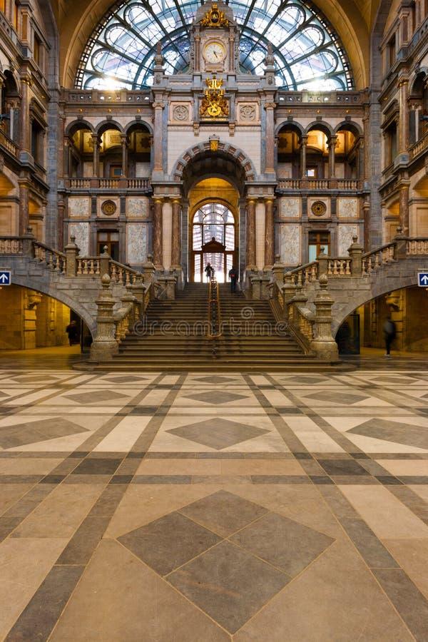 Antwerp går den centrala drevstationen huvudHall arkivbilder