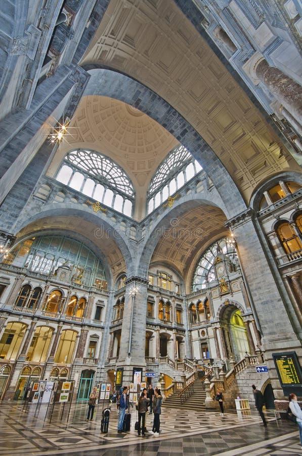 Download Antwerpen Railway Station Editorial Image - Image: 42185365