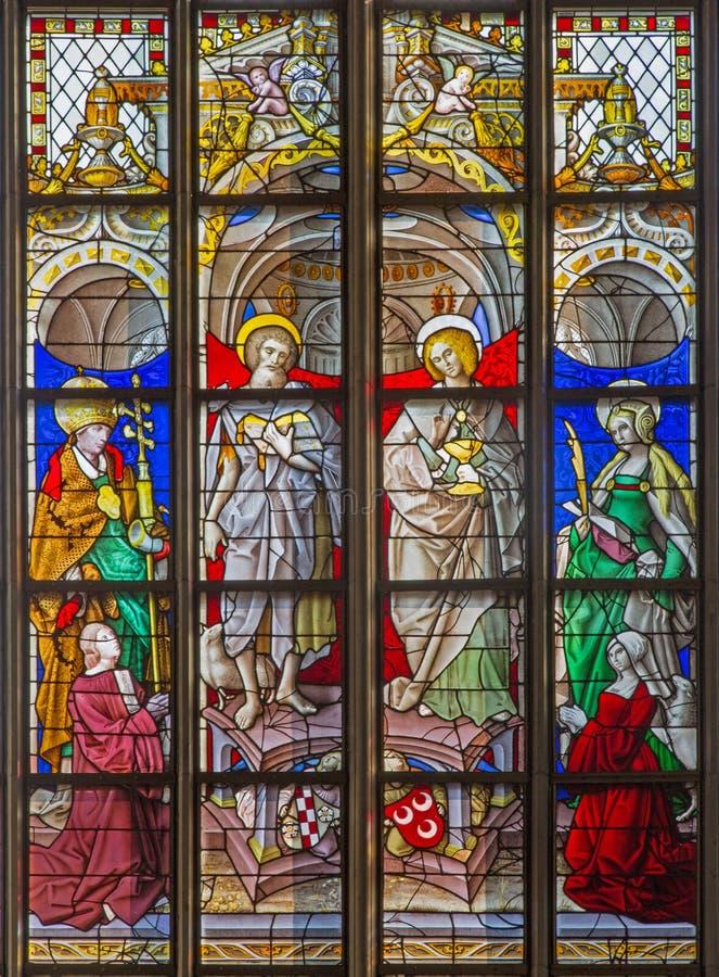 Antwerpen - Ruit van apostel John en Jacob van kathedraal van Onze Dame stock fotografie