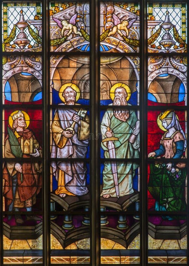 Antwerpen - Ruit van apostel Peter en Paul van kathedraal van Onze Dame stock afbeelding