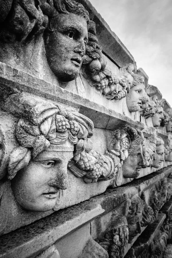 Antyczna ściana, ulga i maska Aphrodisias Afrodisias Antyczny miasto w Caria, Karacasu, Aydin, Turcja fotografia stock