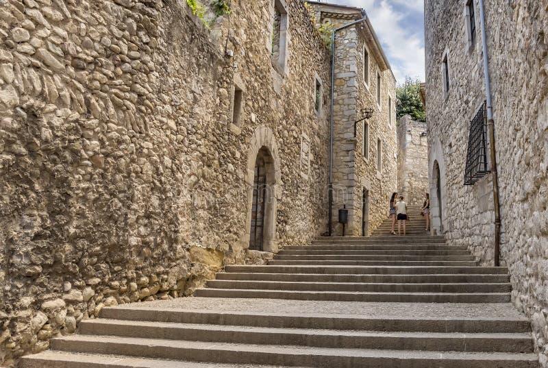 Antyczna średniowieczna ulica w Girona fotografia stock