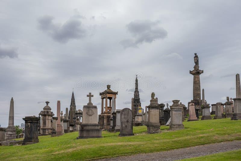 Antyczna architektura przy Glasgow Necropolis jest Wiktoriańskim cmentarzem w Glasgow i jest wybitnym cechą w centrum miasta fotografia stock