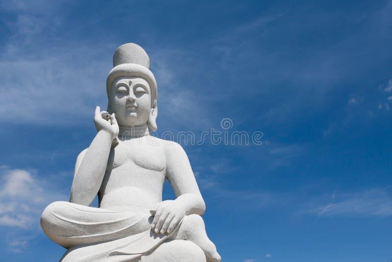 Download Antyczna Buddha statua zdjęcie stock. Obraz złożonej z twarz - 28969806
