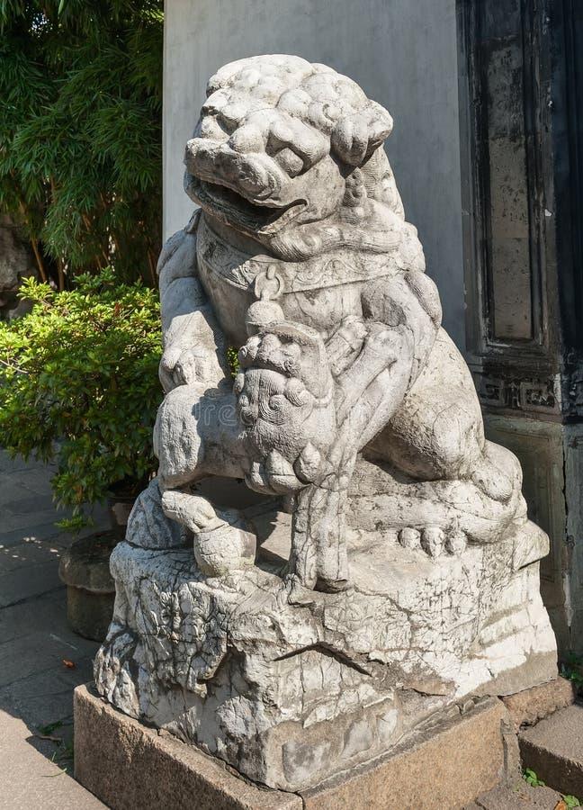 Download Antyczna Chińska rzeźba obraz stock. Obraz złożonej z rzeźba - 28950591