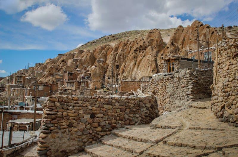 Antyczna Irańska jamy wioska w skałach Kandovan Spadek Persia obraz stock