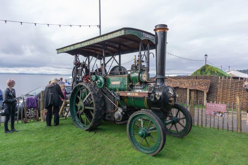 Antyczna kontrpara Jadący Ayrshire ciągnik przy Largs jedzenia festiwalem obrazy royalty free