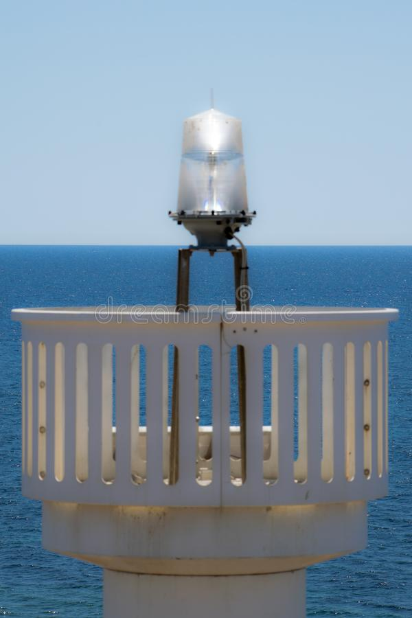 Antyczna latarnia morska na wyspie morscy prądy, Sicily, Włochy obrazy royalty free