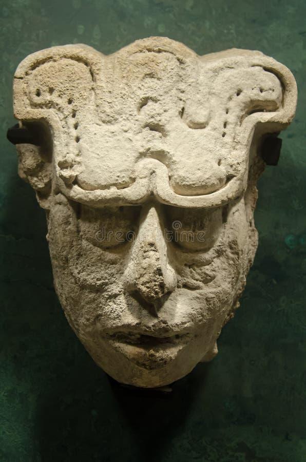 Antyczna majska głowa z glifem grawerującym na przodzie obraz royalty free