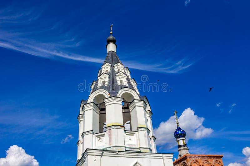 Antyczna namiotowa dzwonnica xvii wiek Ilyinsky kościół w wiosce Ilinskoe zdjęcia royalty free