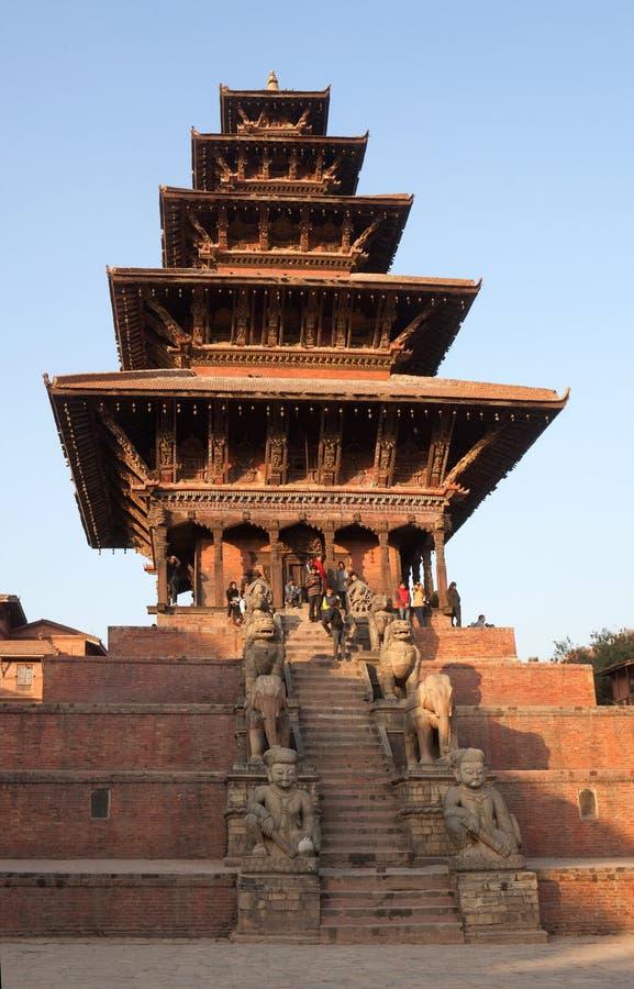 Antyczna Nyatapola świątynia przy Durbar kwadratem w Bhaktapur, Kathmand fotografia stock