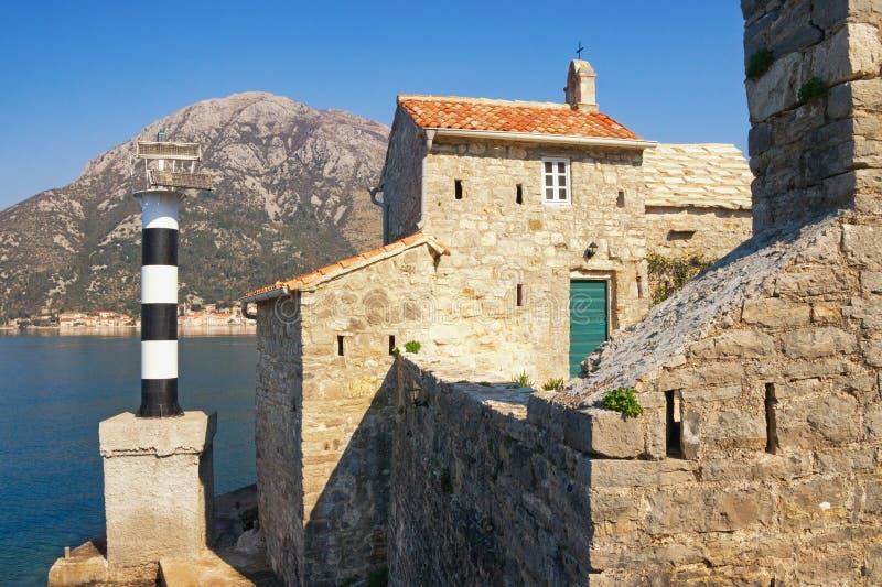Antyczna religijna architektura Widok kościół katolicki Nasz dama aniołowie Montenegro, zatoka Kotor zdjęcie royalty free