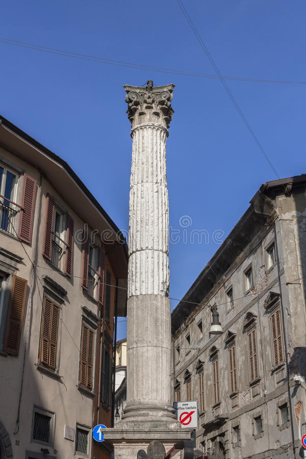 Antyczna Romańska kolumna zdjęcie royalty free