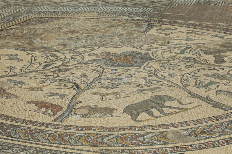 Antyczna Romańska mozaika dzicy Afrykańscy zwierzęta obrazy royalty free