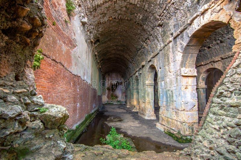 Antyczna, Romańska spłuczka w Aptera, Chania w Crete wyspie obraz royalty free