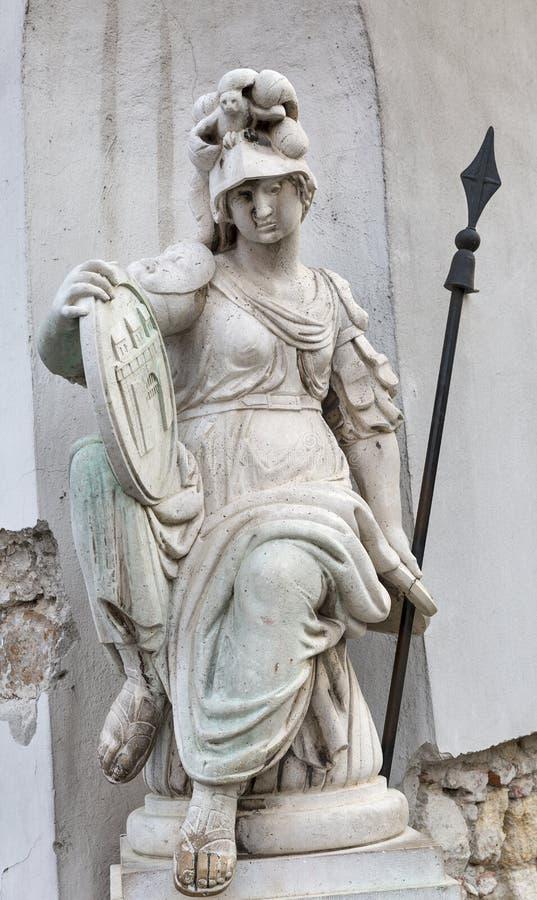 Antyczna statua na Świętej trójcy kolumnie w Budapest, Węgry fotografia royalty free