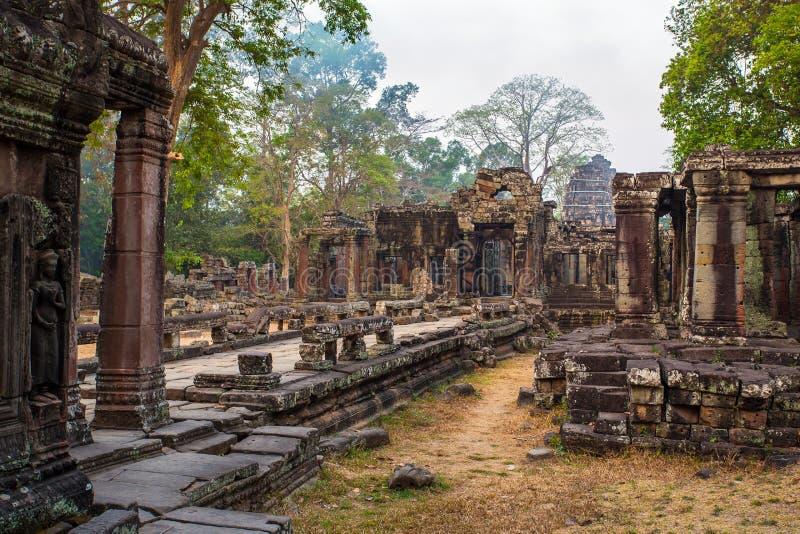 Antyczna Ta Prohm świątynia przy Angkor Wat kompleksem zdjęcia stock