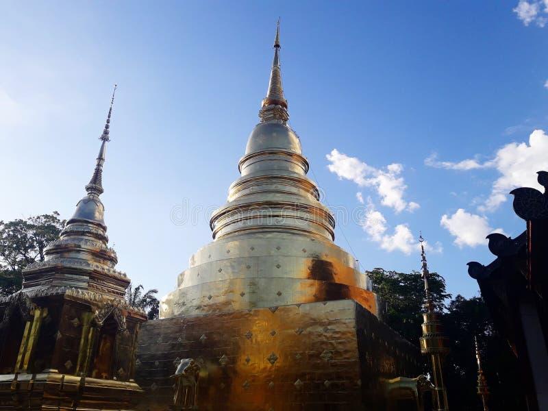 Antyczna złota pagoda w Chaing mai, Tajlandia zdjęcia stock