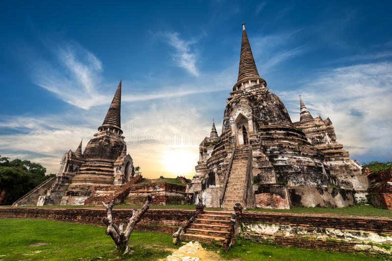 Antyczne Buddyjskie pagód ruiny ayutthaya Thailand zdjęcia royalty free