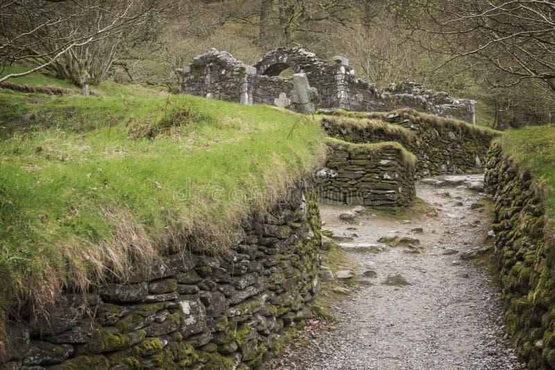 Antyczne celt ruiny przy Glendalough, okręg administracyjny Wicklow, Irlandia obraz stock