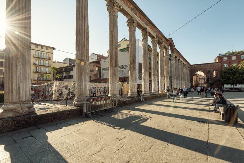 Antyczne kolumny San Lorenzo w Mediolan, Włochy fotografia royalty free