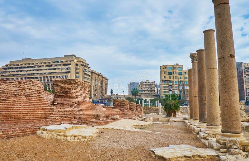 Antyczne kolumny w Aleksandria, Egipt zdjęcia stock
