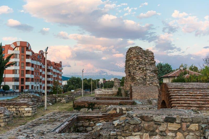 Antyczne Romańskie ściany Hisarya, Bułgaria fotografia stock